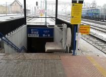 Platformy przyschodowe OMEGA na Dworcu PKP Lubliniec