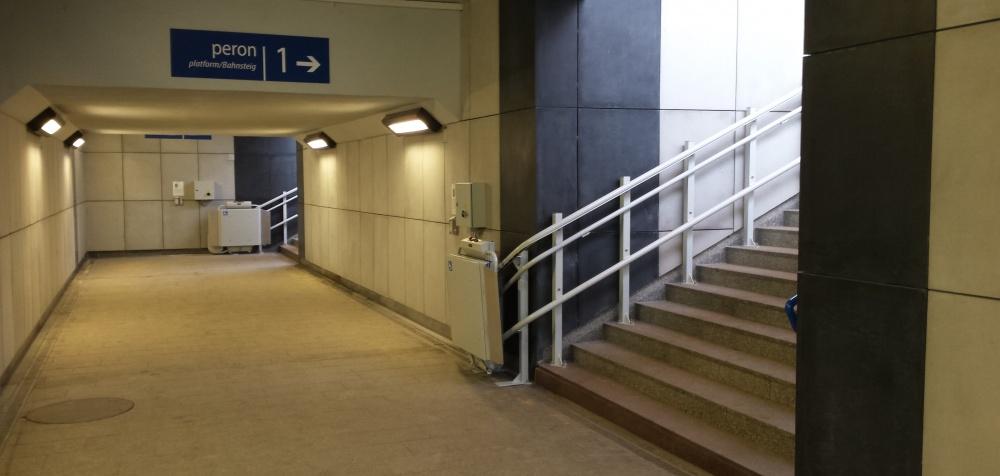 Platformy przyschodowe do transportu niepełnosprawnych