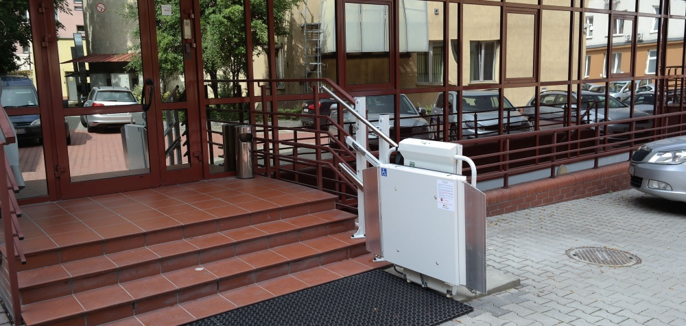 Platforma schodowa DELTA na schody proste