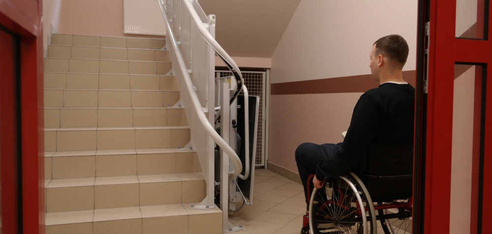 Platforma przyschodowa dla niepełnosprawnych