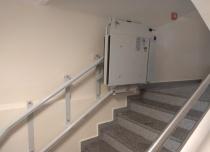 """Aby zmieścić platformę na dolnym przystanku przed schodami """"ścięliśmy"""" jedną z ramp najazdowych"""