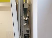 Złożona platforma Delta zajmuje ok. 12 cm szerokości na biegu schodowym