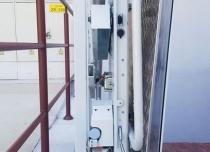 Złożona platforma, łączenie ze słupkami zajmuje ok. 18 cm