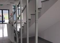 Platforma schodowa Omega z krętym torem jazdy w Lesznowoli