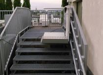 Platforma przyschodowa Omega z zakrzywionym torem jazdy w hotelu Sheraton