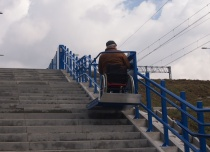Platformy schodowe mogę pokonywać nawet do kilkunastu biegów schodowych