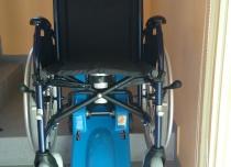 Schodołaz gąsienicowy T09 do transportu po schodach prostych osób niepełnosprawnych na tradycyjnych wózkach inwalidzkich