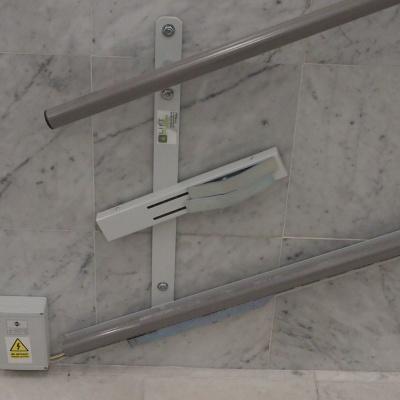Miejsce doprowadzenia zasilania dla platformy schodowej Delta