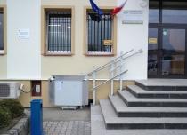 Tor jezdny platformy schodowej w całości wykonany został ze stali nierdzewnej