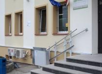 Elektronika w wersji zewnętrznej platformy schodowej jest dodatkowo zabezpieczona przed niekorzystnymi warunkami atmosferycznymi