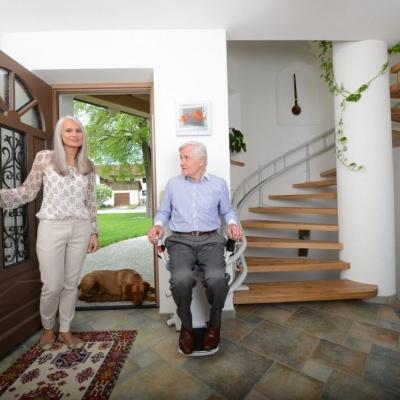 Odzyskaj dom bez barier z naszym krzesełkiem schodowym