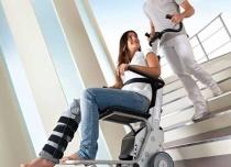 Schodołaz kołowo-kroczący z krzesełkiem