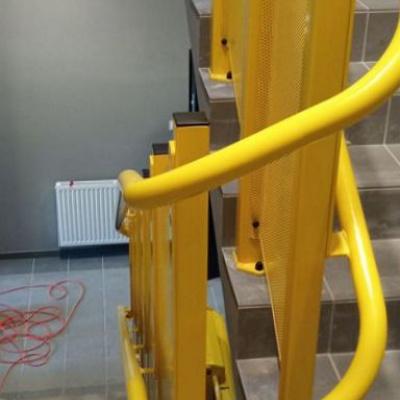 Zakręt 180° platformy schodowej